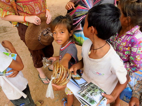 2013-09-Cambodia-Posted-JS